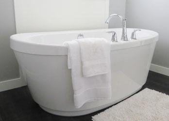 Badewanne und duschwanne aus acryl oder stahl for Badewanne stahl oder acryl